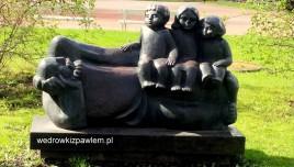 04- Litwa, Szawle, pomnik dziadka z wnukami