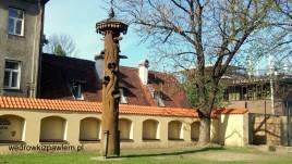 09- Kowno, kamienica dla ptaszków k. domu Perkuna