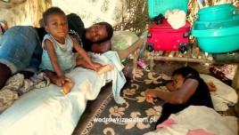 Pigmeje, Kamerun, pigmejska-rodzina-dario-20-lat-andeta-i-dod-2-lata
