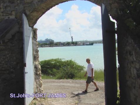 morze karaibskie,wyspa, mini państwo,podróżnik, globtroter,polski podróżnik,Paweł Krzyk,wyprawy, wędrówki z Pawłem,tramping,