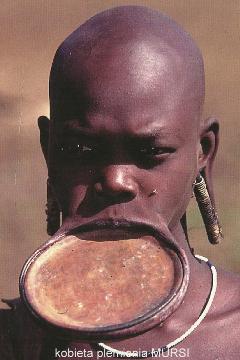 kobieta plemienia MURSI,Afryka,Addis Abeba,plemiona , Omo,Hamar,Hamer,Mursi.Bana
