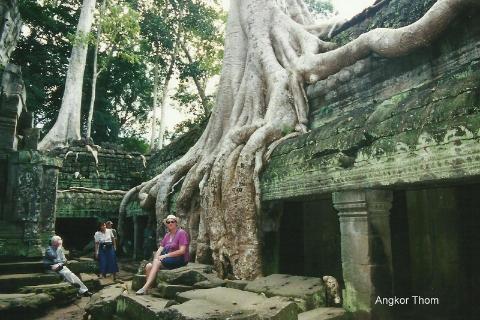 Angkor Thom,daleki wschod,Azja,Pnom Pen, Angkr Vat, razim Pol Pota, oboz konnentracyjny, Mekong,podroznik,