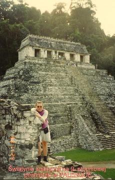 swiatynia Inskrypcji, na 9- stopniowej piramidzie ,PALENQUE,