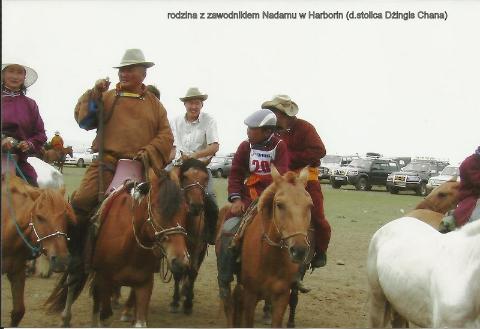 rodzina z zawodnikiem Nadamu, w Harborin, (d.stolica Dzingis Chana),