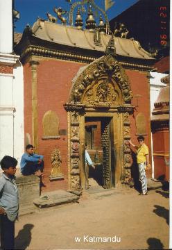 w Katmandu,Mont Everest, slonie, chitwan, prelekcje, spotkania,filmy, podroznicze, wedrowka w nieznane,
