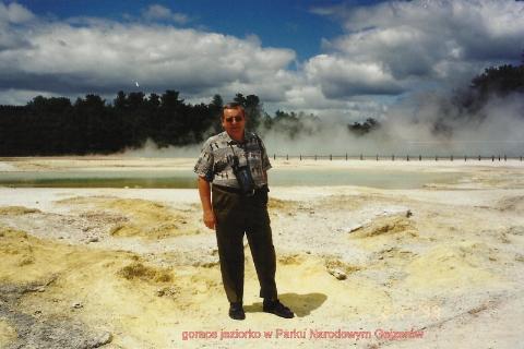 gorace jeziorko w Parku Narodowym Gejzerow,Pacyfik, wyspa,auckland,Rotorua, park wulkanow,podroznik polski,