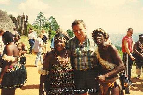 pokaz tancow w wiosce zuluskiej,afryka ,zulusi,johanesburg,cape town,durban,strusie jajka, polscy globtroterzy,