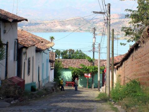 tramping, podroz,Brojce,Suchitoto,Salvador,San Salvador,Oscar Romero Galdamez,wulkan,