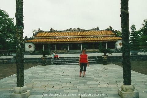 plac glownych ceremonii w palacu cesarskim,Azja, hue,hanoi,halong, prelekcje,spotkania,fimy poroznicze,podroznik,