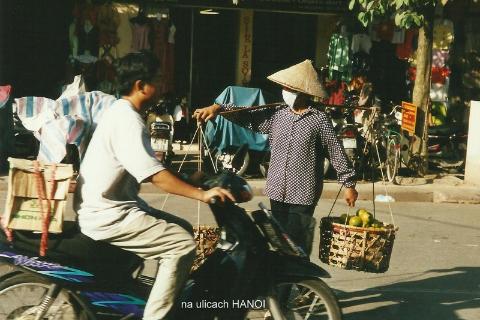 na ulicach HANOI,Azja, hue,hanoi,halong, prelekcje,spotkania,fimy  podroznicze,podroznik,