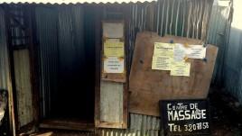04 Wielki Komor, Moroni, centrum masażu