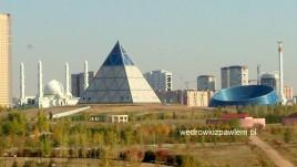 11- Astana, piramida i plac centralny