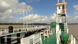 21- prom do Gujany na rzece Corantijn