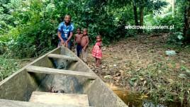 Kamerun, Pigmeje, pozeganie-z-tomasem-i-dzieciakami-na-przystani