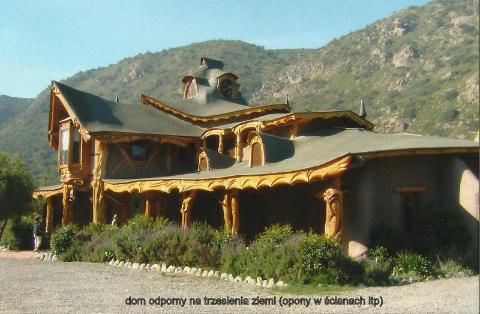 dom antywstrzasowy (opony w ścianach itp),Ameryka płd,Valparaiso, Wina del Mar,spotkania,fily, podróżnicze, podróż,