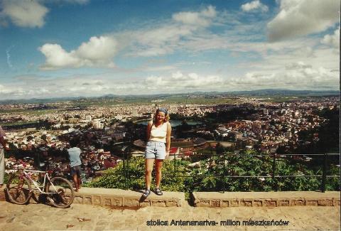 stolica Antananariva- milion mieszkancow,ocean indyjski, wyspa,antananariva, lemury,podroze,filmy podroznicze,