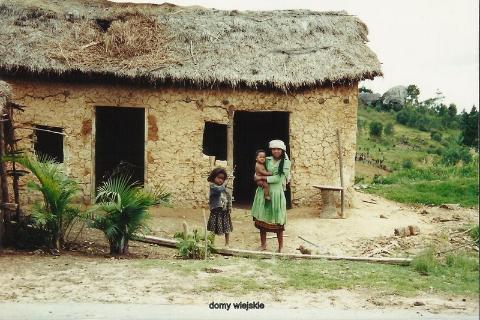 domy wiejskie,ocean indyjski, wyspa,antananariva, lemury,podroze,filmy podroznicze,