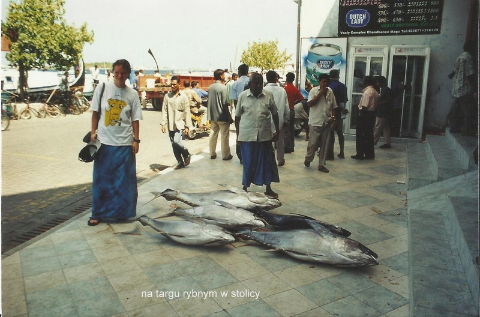 na targu rybnym w stolicy,ocean indyjski,wyspy, raj na ziemi, nurkowanie,podroznicy polscy,