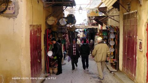 wąskie uliczki,Gibraltar,Sahara,Góry Atlas,Atlas Niski i Wysoki,kraj arabski,królestwo Maroka,medyny Maroka,  starej medyny w FEZ,