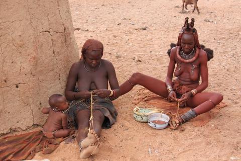 Afryka,Namibia,kraj pustynny,diamenty,,podróżnicy,polski globtroter,wedrowanie z plecakiem,tramp,pustynia namib,herero,kobiety, himba,